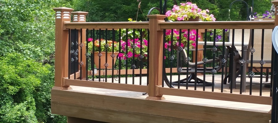 Woodgrain Vinyl Railing with Exclusive Lighting by Killer Decks